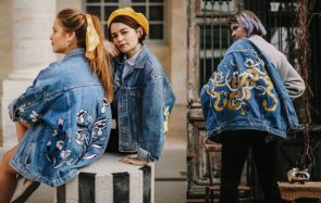 Comment faire personnaliser ta veste en jean par cette artiste talentueuse