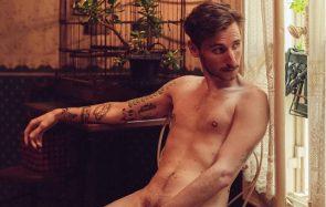 Ben Névert pose nu pour affronter sa peur et apprivoiser son corps