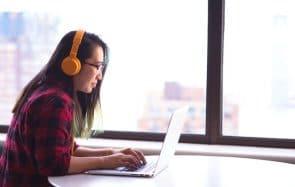 Écouter de la musique en travaillant, bonne ou mauvaise idée?