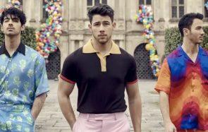 Les Jonas Brothers sont de retour, avec leurs femmes!