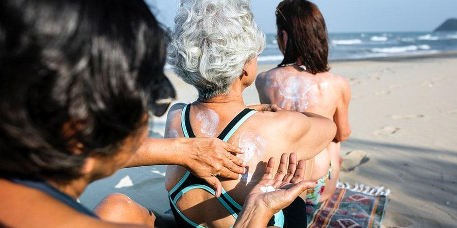 Comment choisir une crème solaire bonne pour la planète et la santé