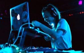 ANNULÉ — Viens voir Louise Pétrouchka mixer au festival Val de Rock!