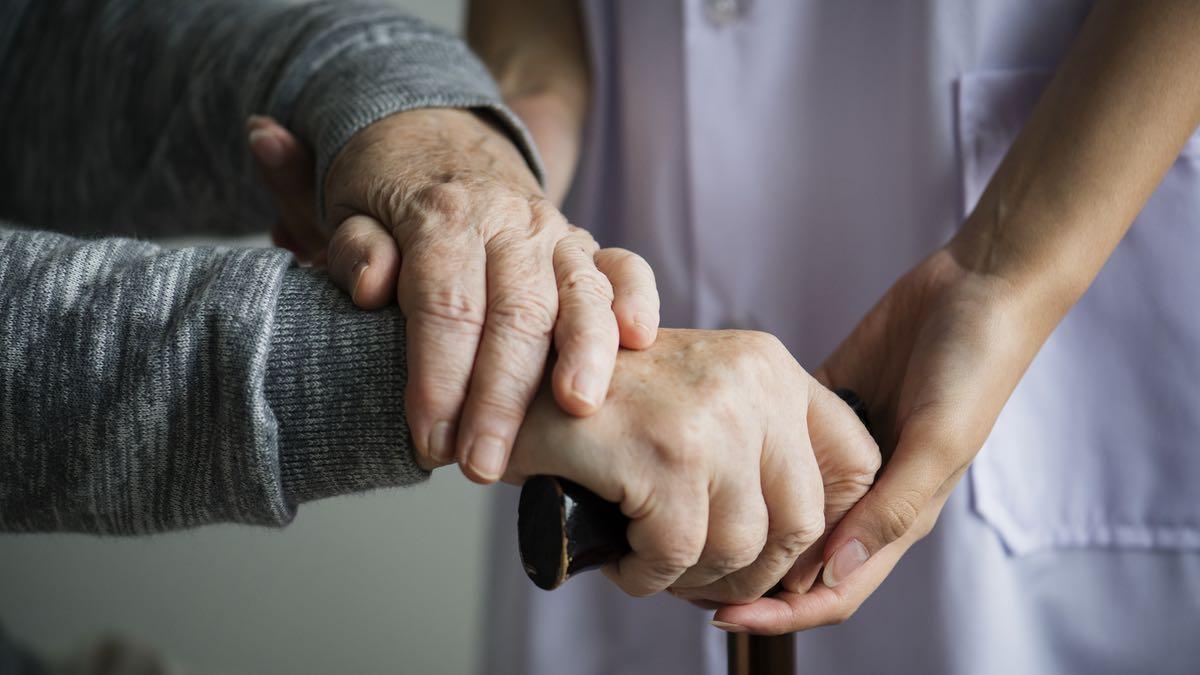 Pourquoi j'ai décidé d'arrêter mon métier d'aide soignante
