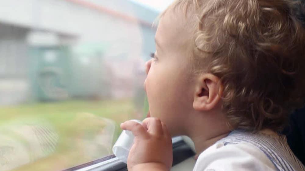 Conseils pour prendre le train en solo avec un bébé