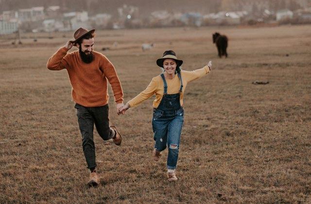 8 signes qui montrent que tu n'es pas prête à être en couple