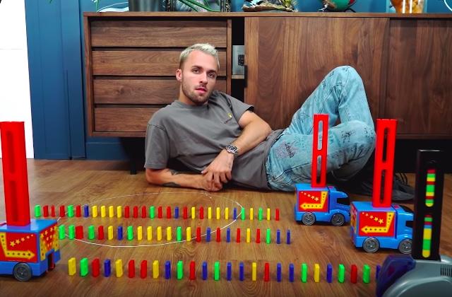squeezie vidéo dominos