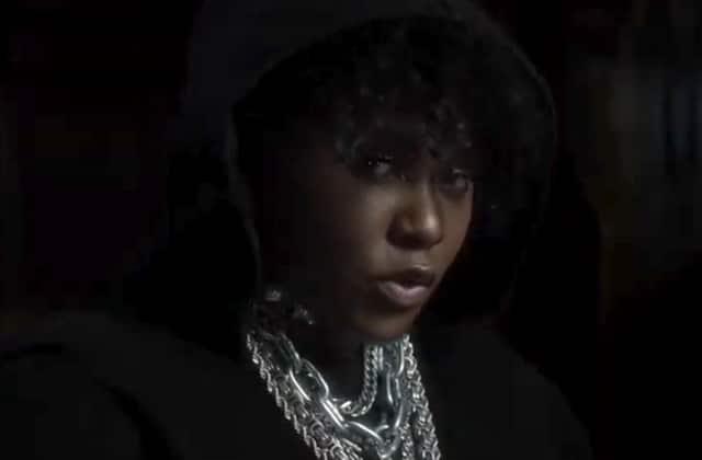 Tout est noir pour Yseult, dans un nouveau clip splendide