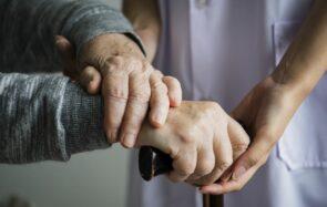 Vis mon job d'auxiliaire de vie à domicile auprès des personnes âgées