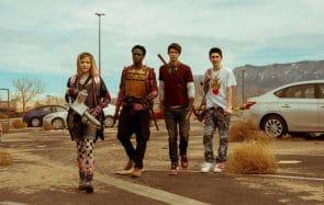 Pourquoi il faut regarder Daybreak sur Netflix, la série délirante avec des zombies