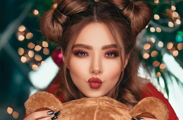 2 idées de maquillage de fête pour Noël et le Nouvel An !