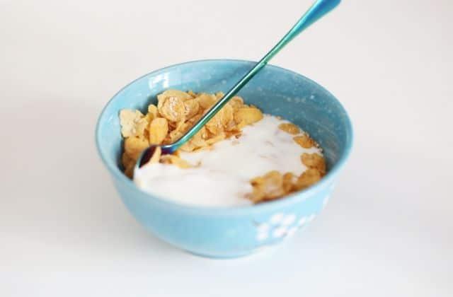 Lait chaud ou froid ? Avant ou après les céréales ? La rédac se CLASH !
