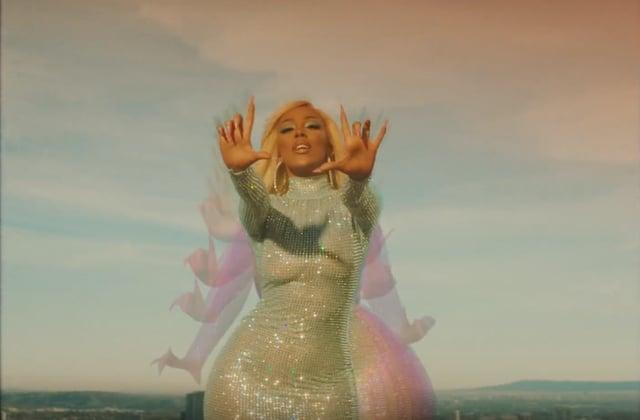 Doja Cat fait la danse du challenge TikTok dans son clip de «Say So»