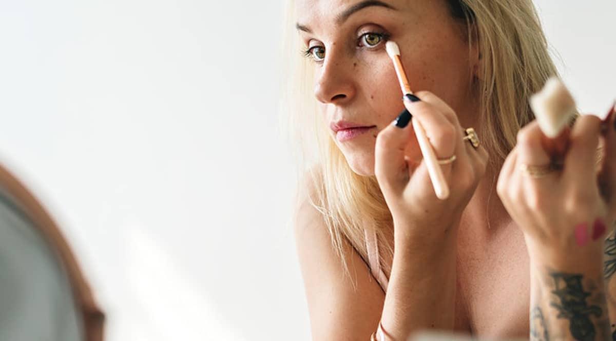 Tu portes de l'eyeliner ? Tu risques d'être perçue comme étant moins compétente