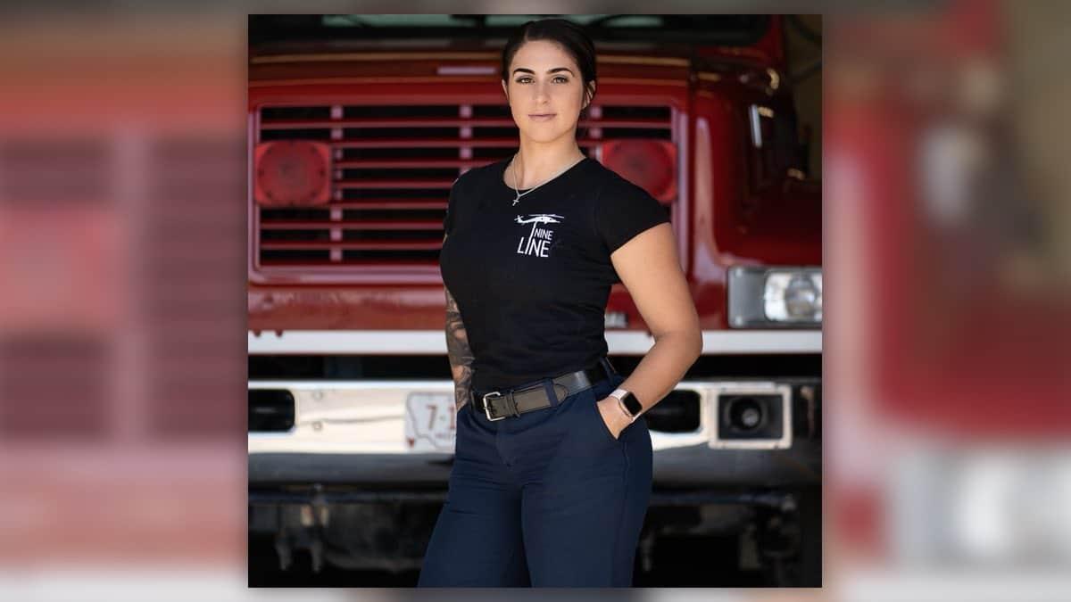 Cette pompière a été virée à cause de son compte Instagram « trop provoc»