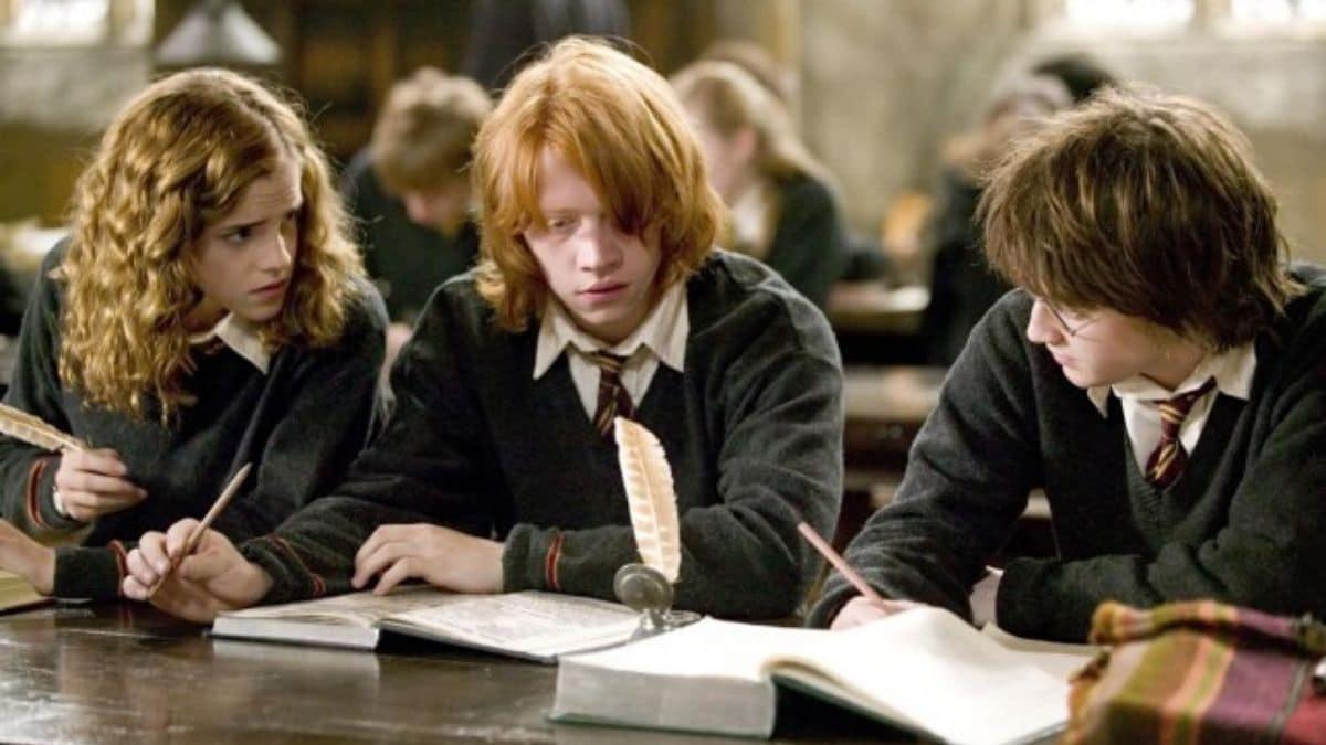 Enfin une frise chronologique complète pour l'univers d'Harry Potter !