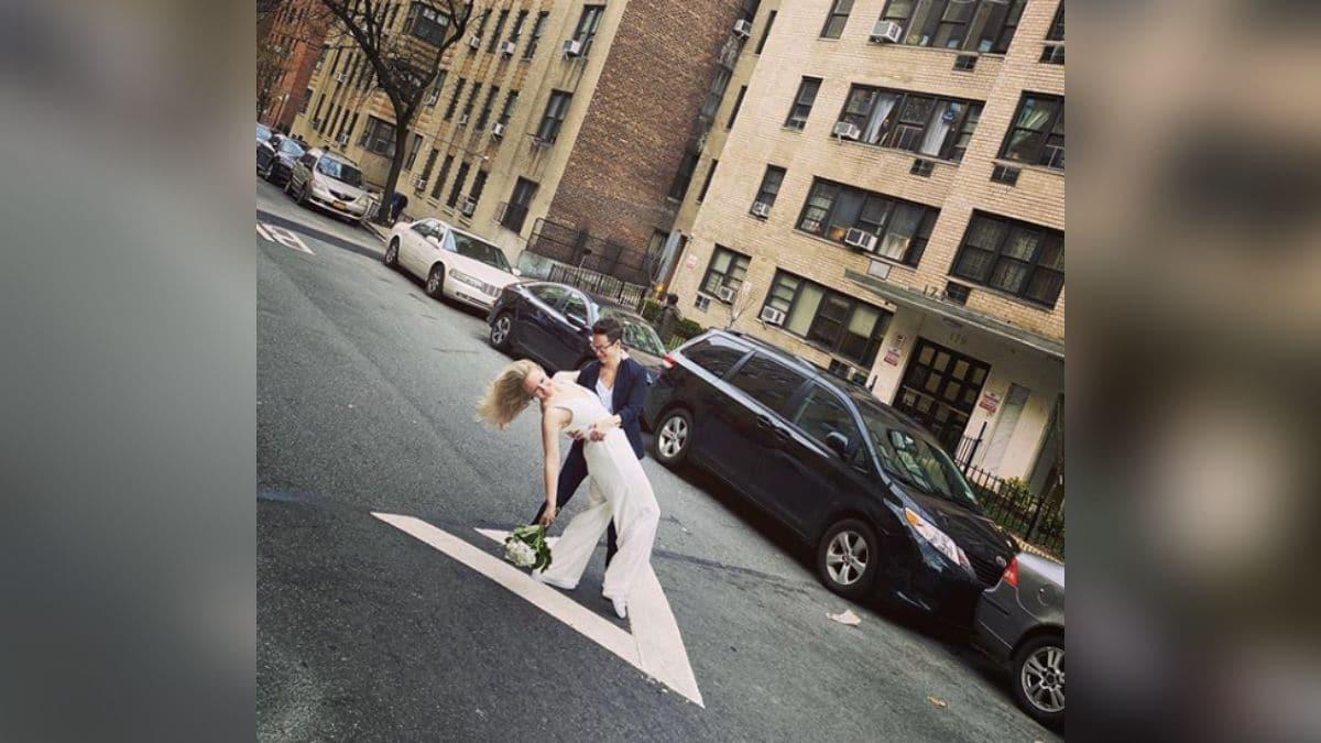 Ce couple a trouvé comment se marier malgré la distanciation sociale !