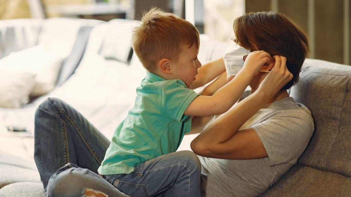 Comment parler du coronavirus à ses enfants sans (trop) les traumatiser ?