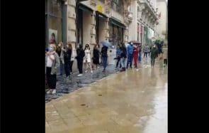 Pourquoi les gens qui font la queue à Zara ne méritent pas votre haine