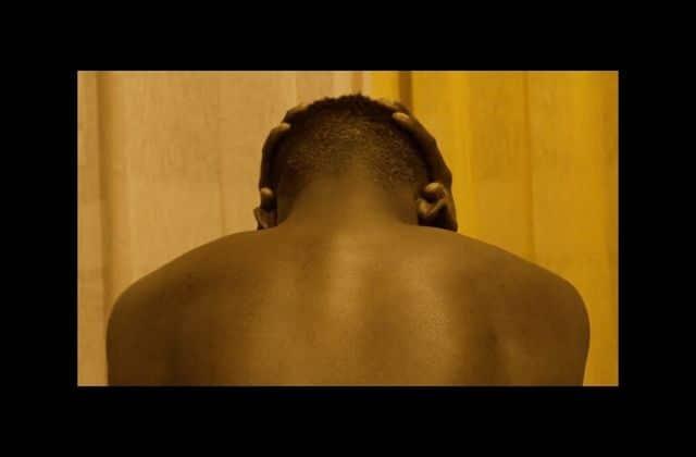 «Dans le noir, les hommes pleurent», un docu poignant sur la masculinité