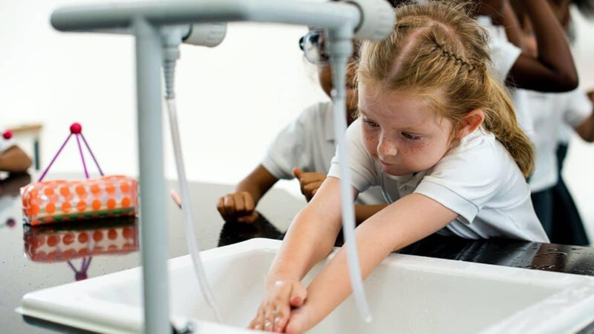 Le protocole sanitaire dans les écoles va-t-il être allégé ?