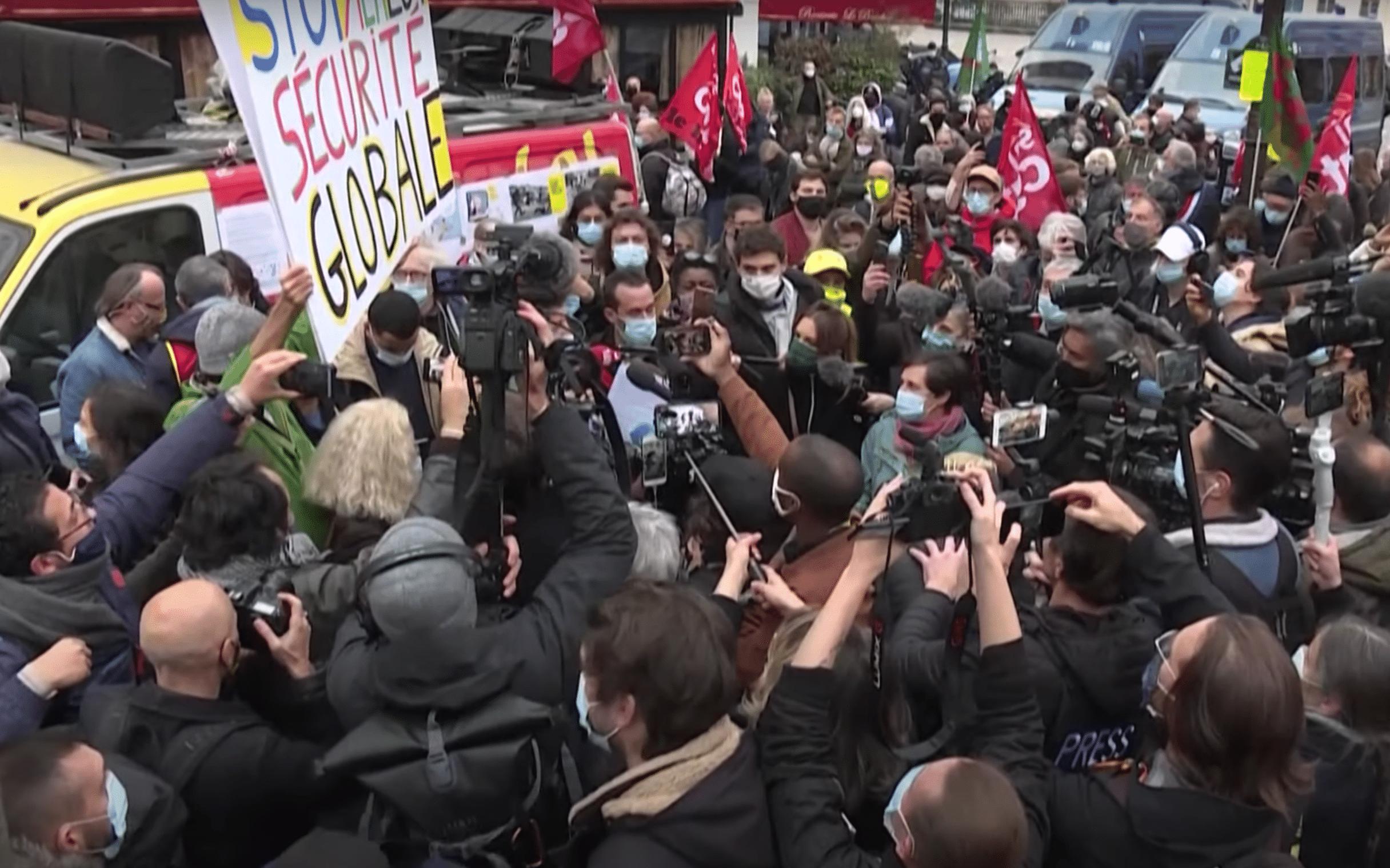 Comment la loi «Sécurité Globale» provoque la colère des journalistes, des jeunes et des femmes