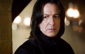 Qui était vraiment Alan Rickman, alias Severus Rogue ? On le saura bientôt!