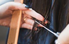 se couper les cheveux soi-même confinement