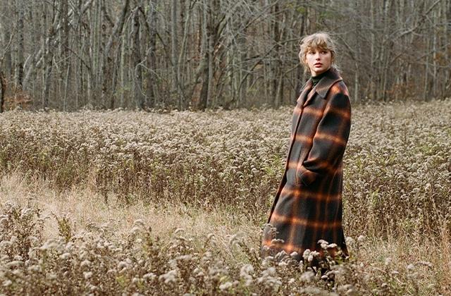 Ces bijoux et vêtements célèbrent l'album «evermore» de Taylor Swift