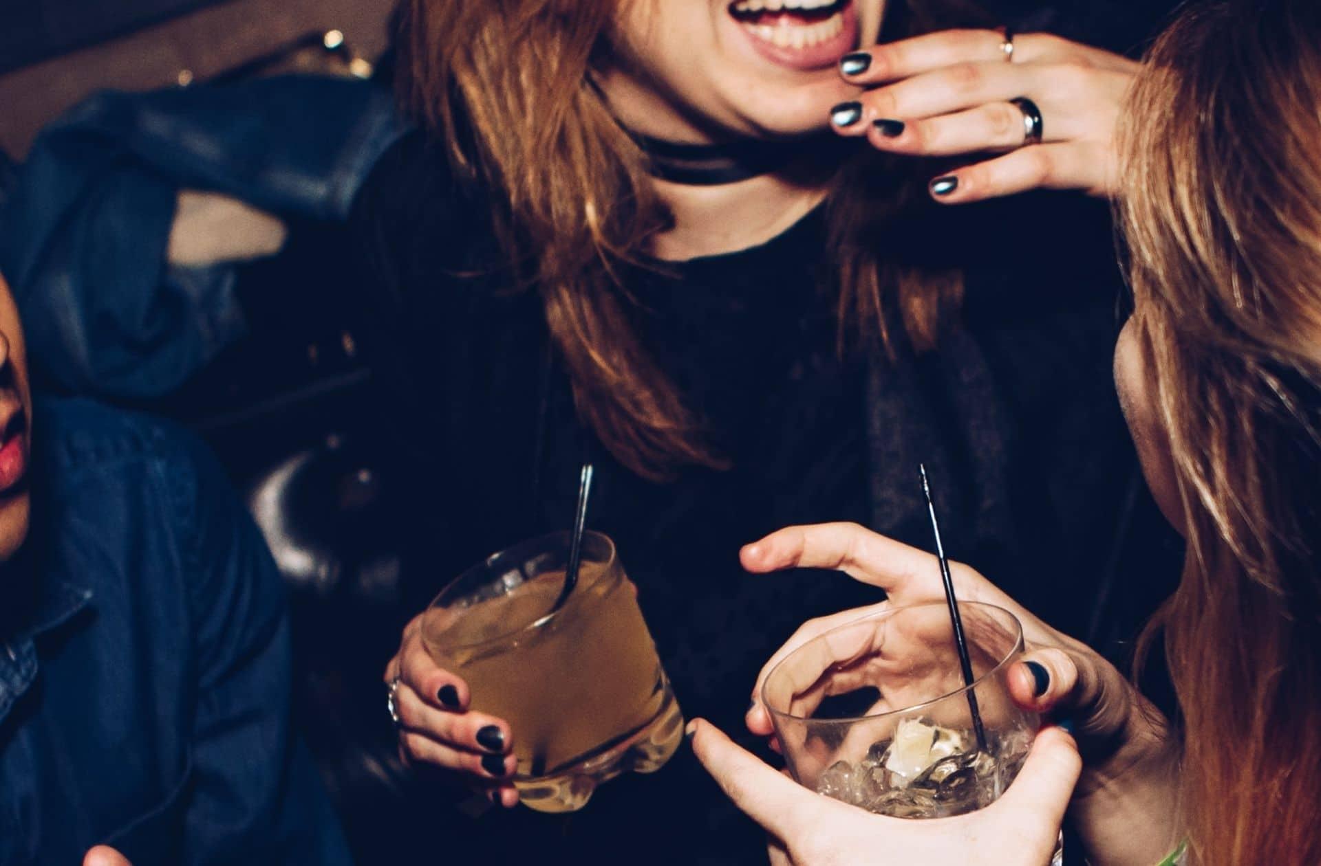 Comme trop d'étudiantes, je suis devenue alcoolique (et démunie face à cette addiction)