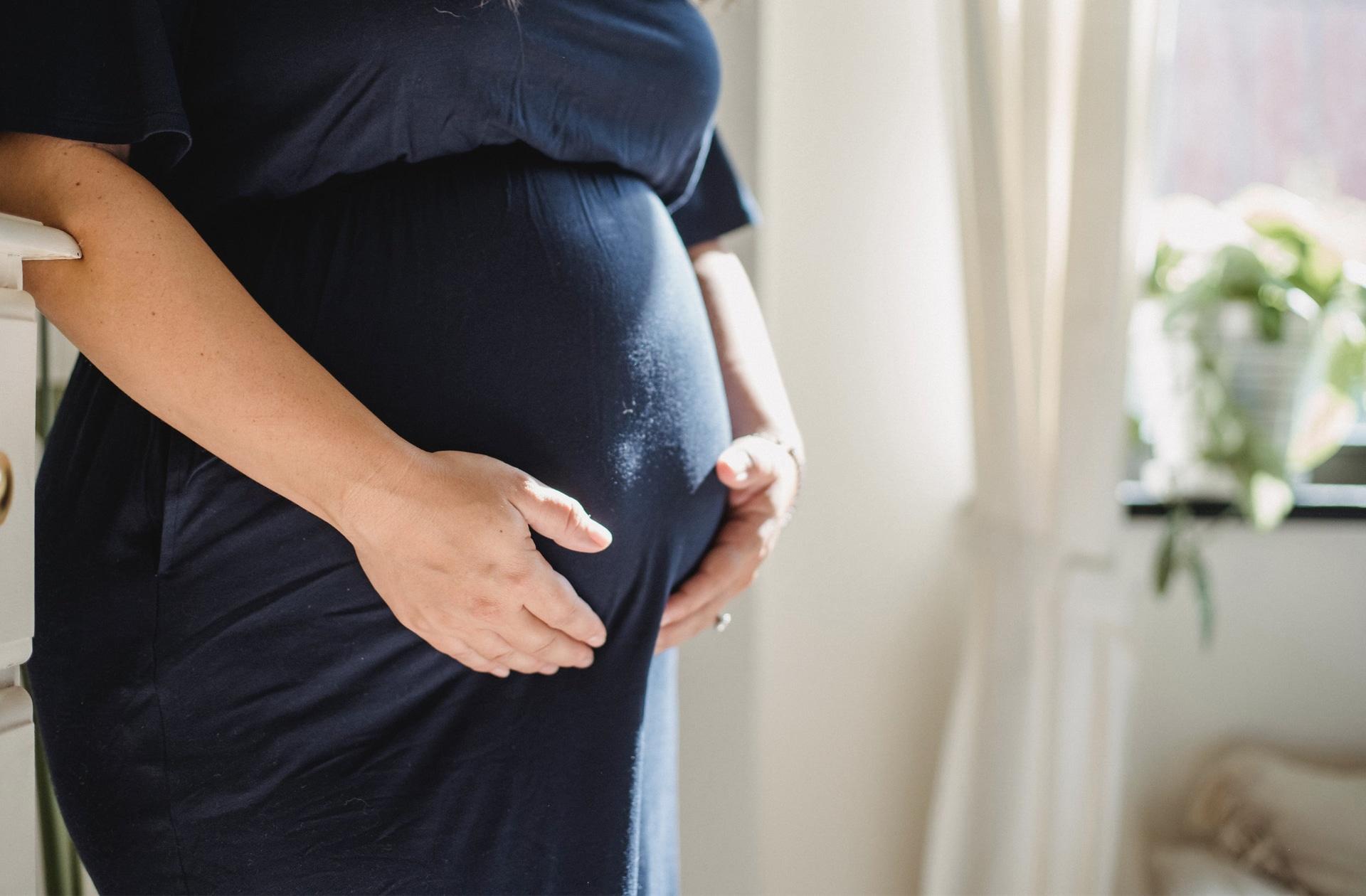 J'ai mis des mois à comprendre pourquoi j'avais l'air enceinte (alors que je ne l'étais pas)