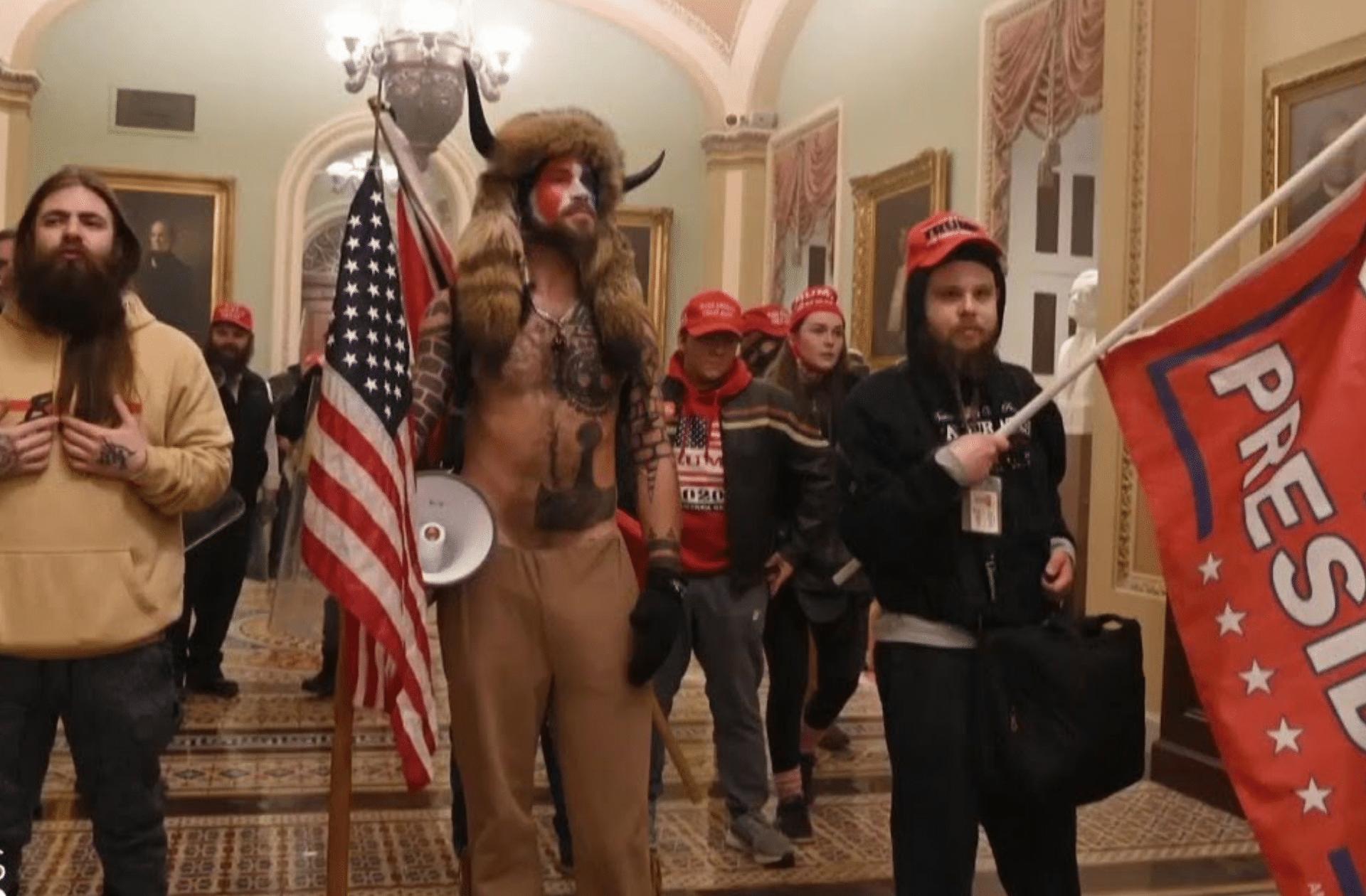 Le pouvoir blanc à l'assaut du Capitole aux États-Unis