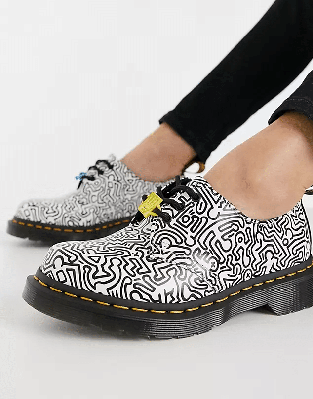 Chaussures 1461 à motif Keith Haring 1461, Dr Martens, 169 €.