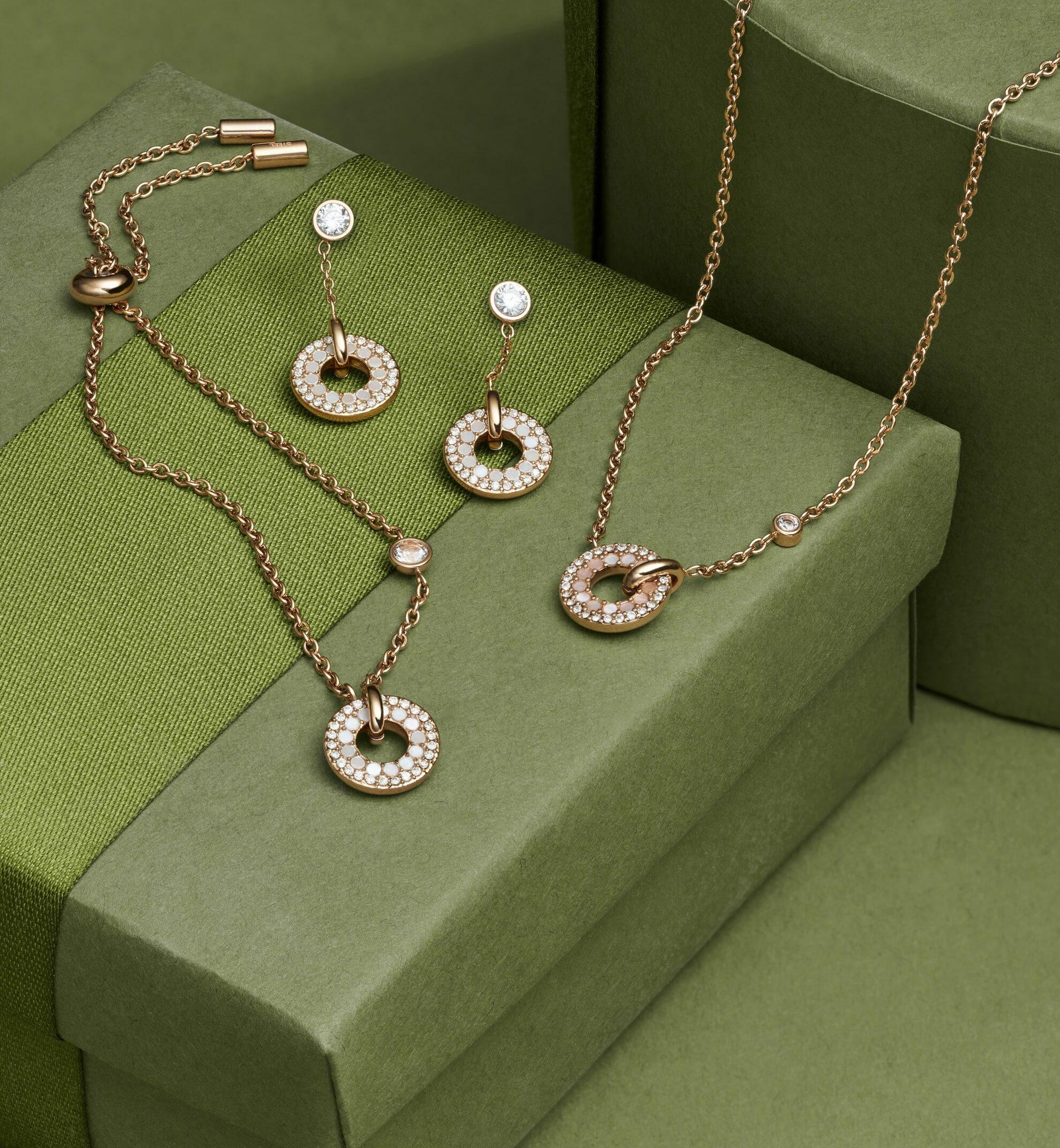parure de bijoux en acier couleur or rose Fossil