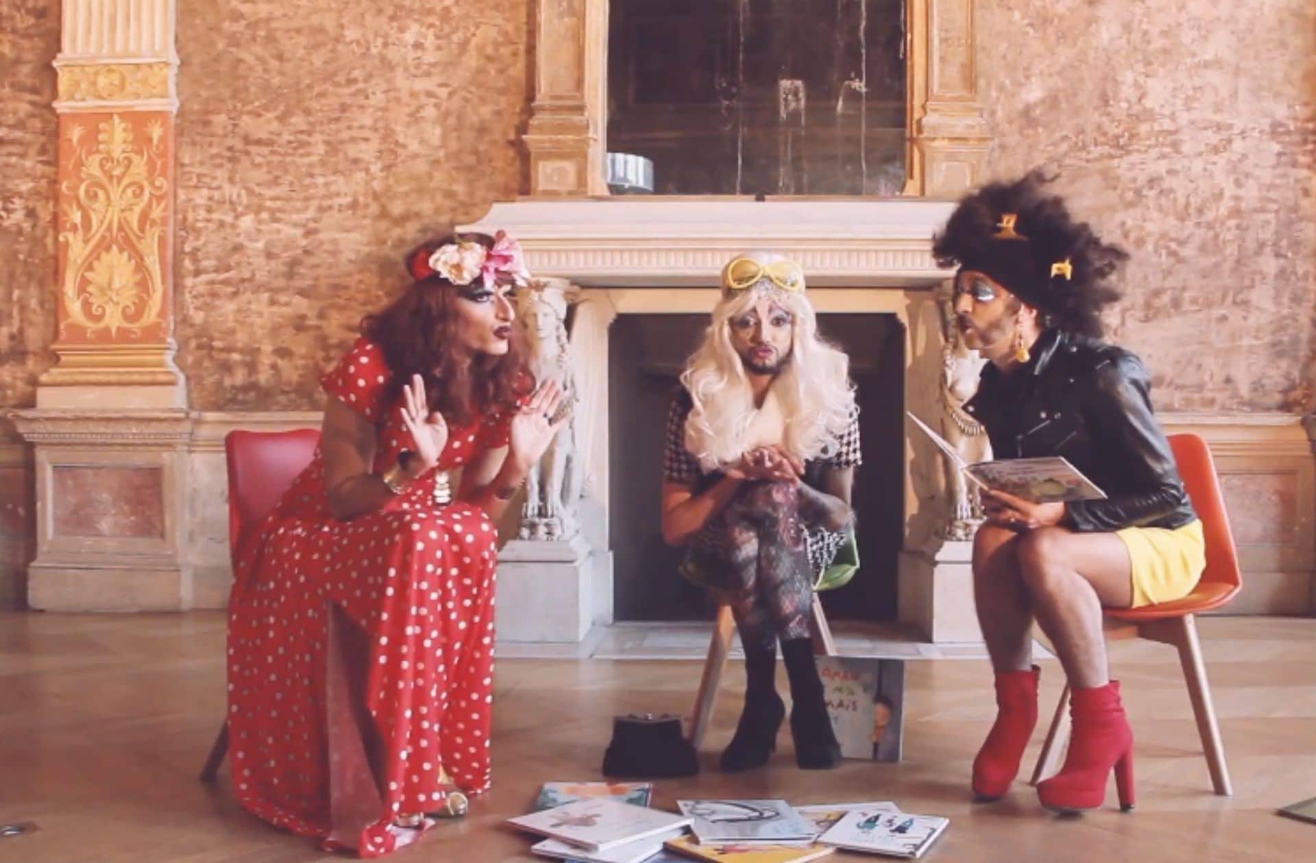 Des drag queens lisent des histoires aux enfants, et c'est mieux que Père Castor