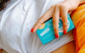 Breaking news : les distributeurs de protections menstruelles gratuites arrivent dans toutes les facs!