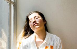 5 solutions pour avoir l'air moins crevée en Zoom call (ou dans la réalité)