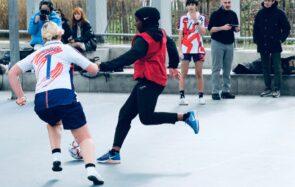 Les Hijabeuses luttent contre «l'exception culturelle française» qui interdit le voile aux footballeuses