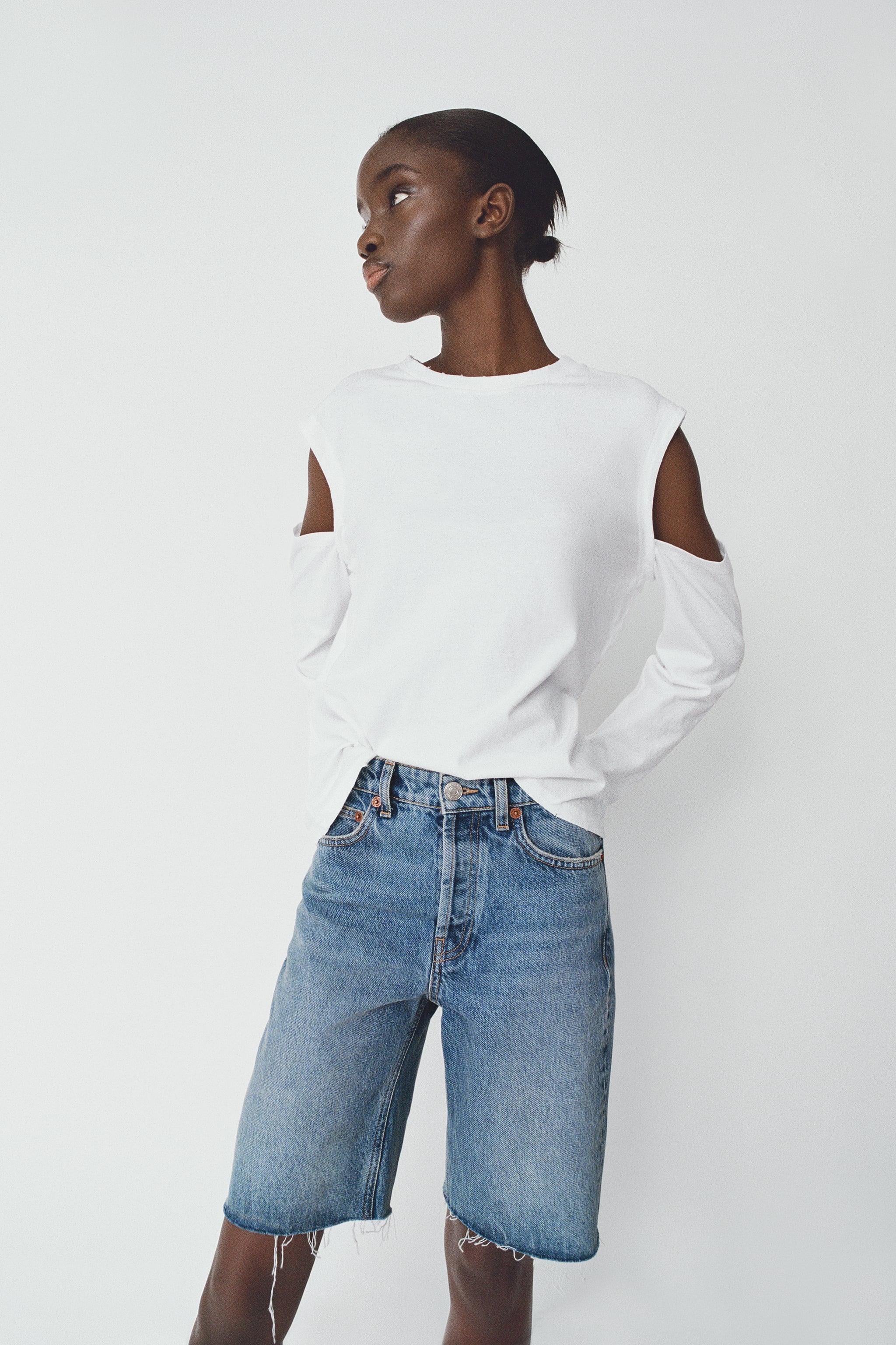 T-shirt à manches longues et découpes aux épaules, Zara, 15,95 €.