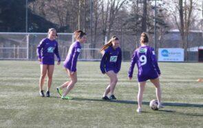 Pour dénoncer le sexisme dans le foot, des footballeuses rennaises jouent en slip