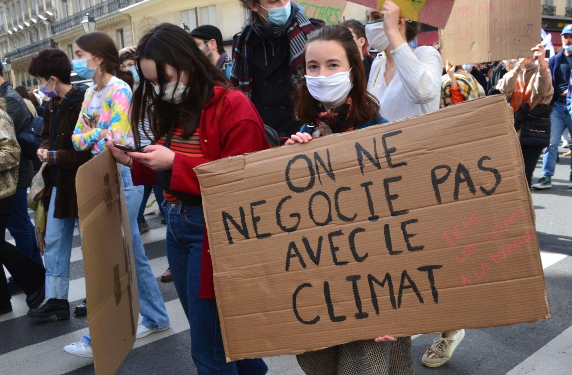 Quelques avancées et de grosses déceptions: la loi Climat exaspère les associations
