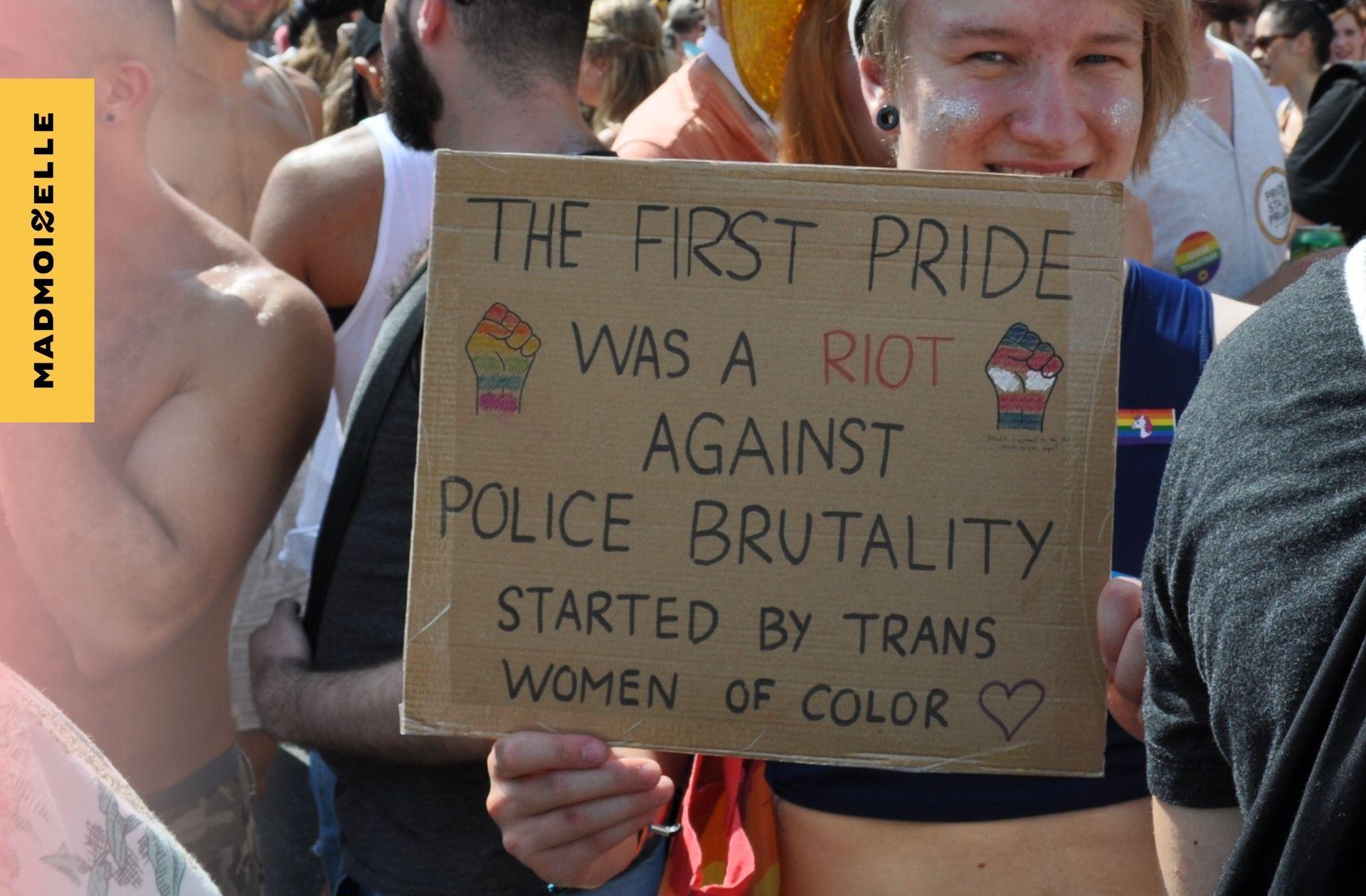Pourquoi les policiers LGBTI+ ne défileront plus à la pride de New York