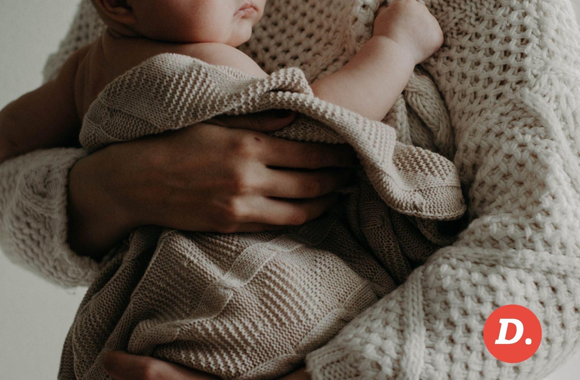 Pourquoi il ne faut pas chercher à oublier les pires moments de la maternité, selon la militante Illana Weizman
