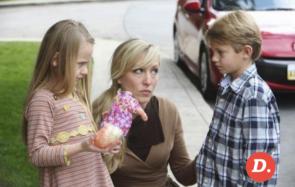 Timide, arrogant, ou bordélique… Help, je déteste un trait de caractère de mon enfant!