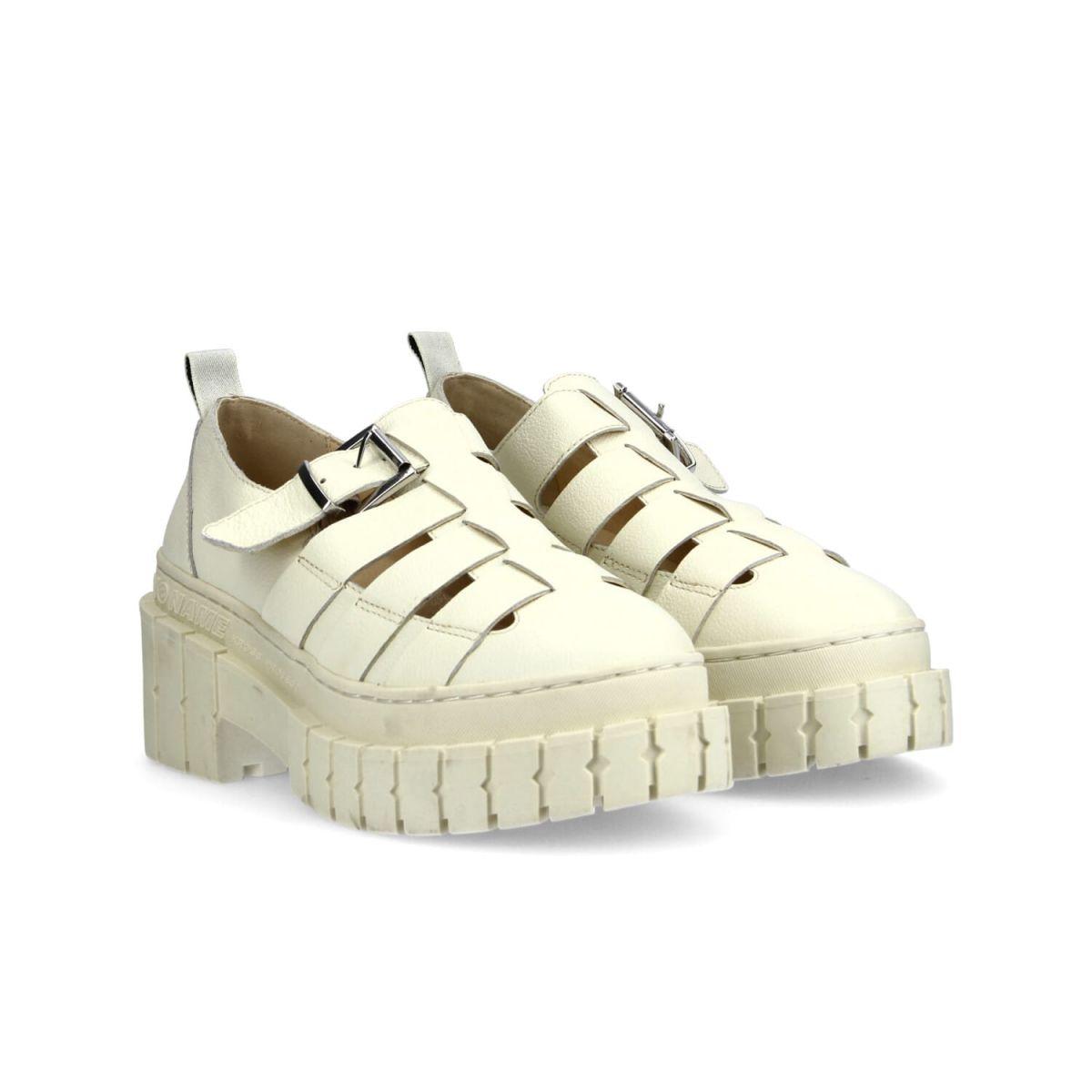 Sandales en cuir grainé et semelle crantée de 7,5 cm, No Name, 159€.