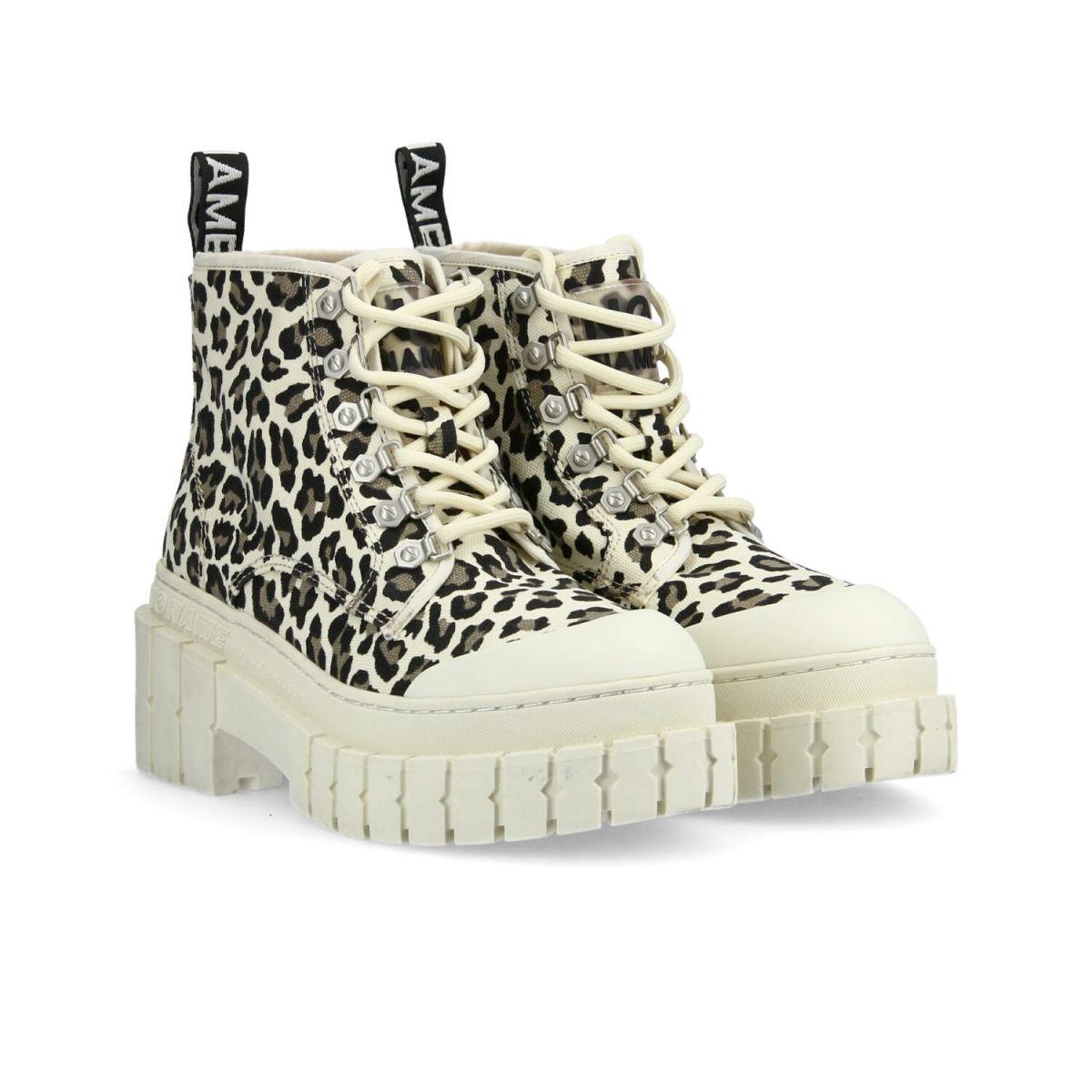 Bottines Kross Low Boots en toile de coton imprimé léopard et semelle crantée de 7,5 cm, No Name, 119€.