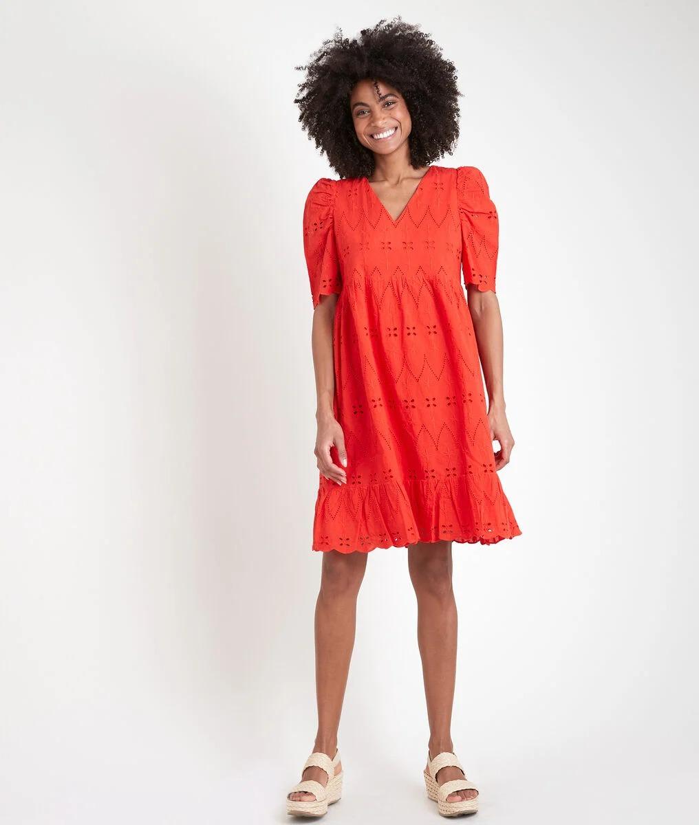 Robe courte en 100% coton biologique à détails de broderies anglaises, Maison 1 2 3, 129€.