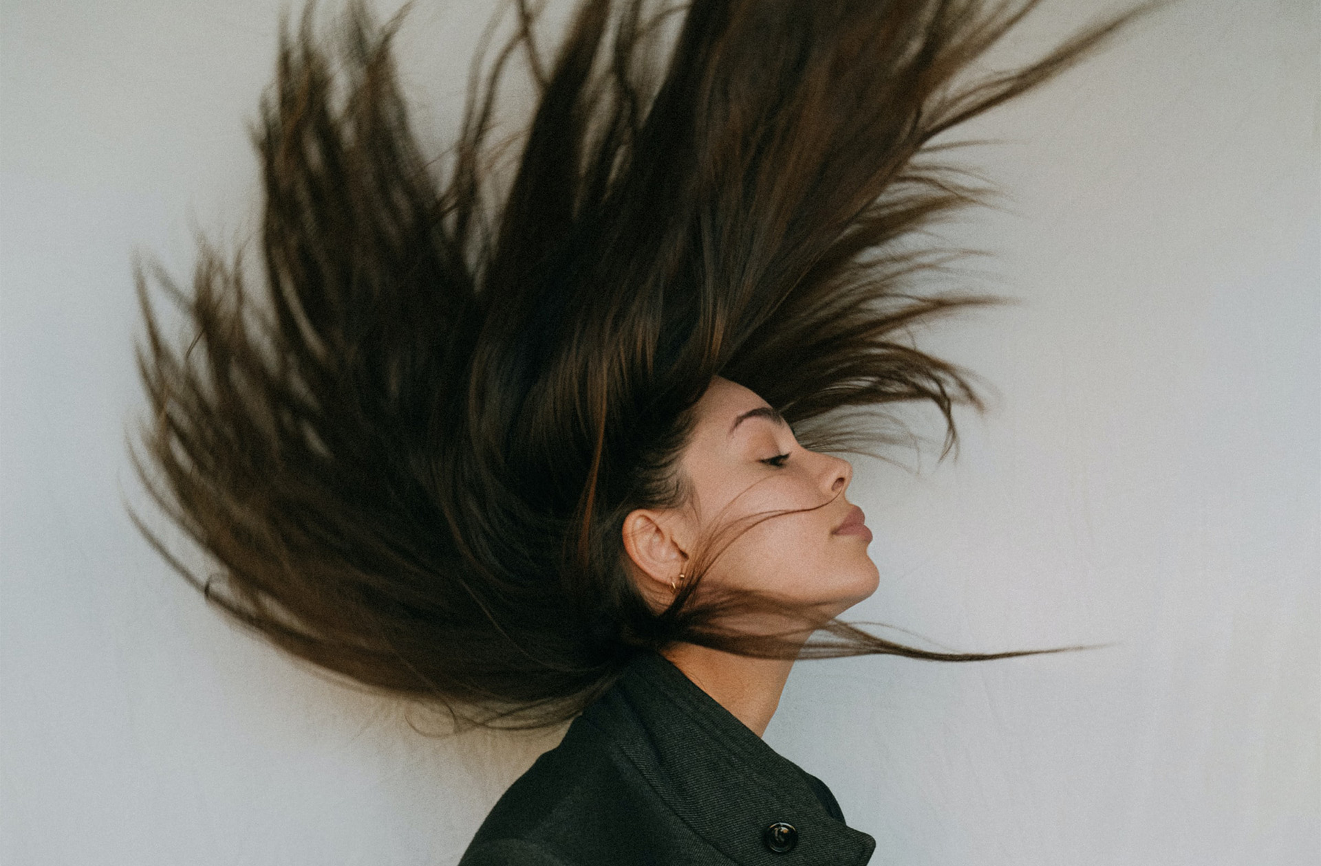 Voici comment retrouver votre couleur naturelle si vous en avez marre des allers-retours chez le coiffeur