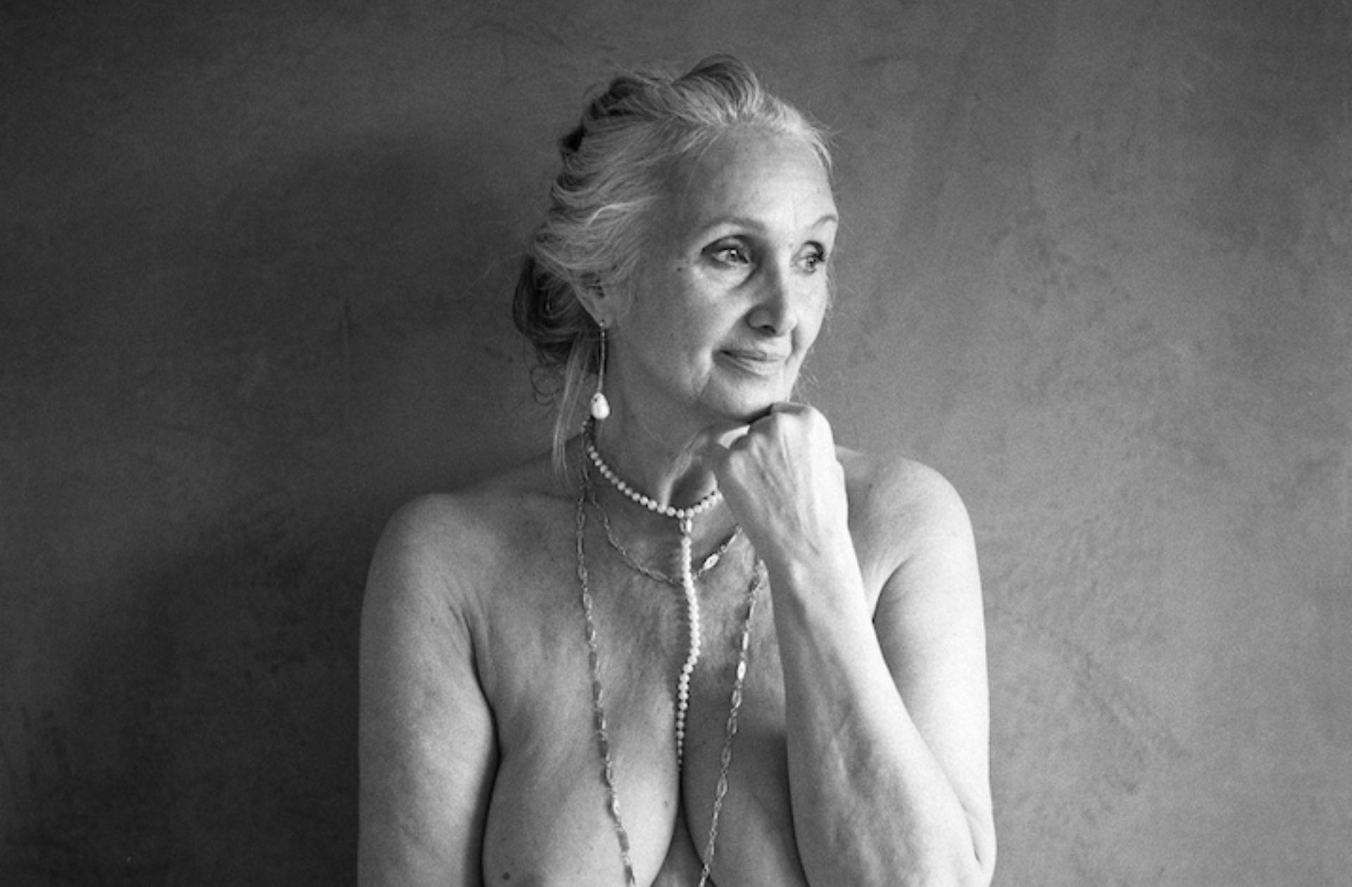 Je photographie des femmes après la ménopause pour lutter contre leur invisibilité