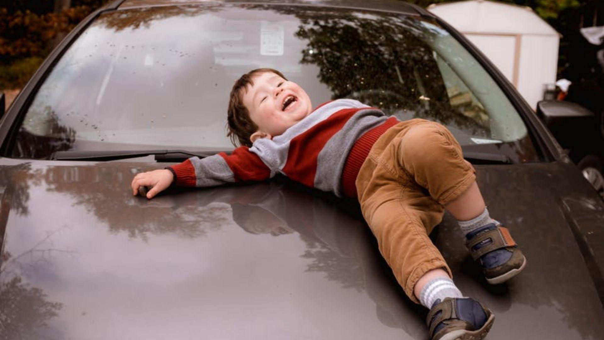 6 techniques de pro pour occuper les enfants en voiture