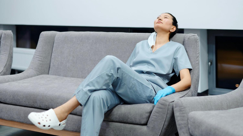 Noëlie, infirmière à 1950€ par mois, se prépare à «une importante baisse de revenus»